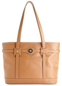 Dooney & Bourke Tote in Saddle Tan