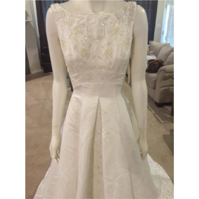 Item - White Formal Wedding Dress Size 4 (S)