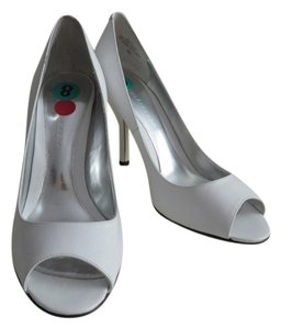 Enzo Angiolini Leather White Pumps