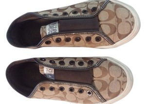 Coach Tan/brown Flats
