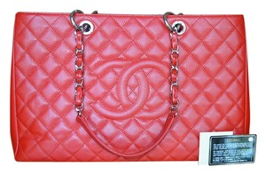 Chanel Xl Gst Caviar Tote in Red