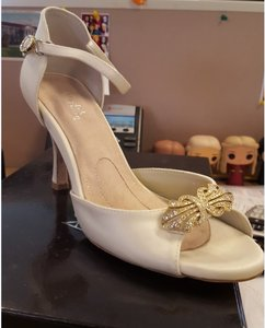 Angela Nuran Wedding Angela Nuran Ivory Heel Strap Astoria Wedding Shoes
