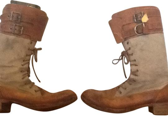 Preload https://img-static.tradesy.com/item/6239368/timberland-brownbeige-bootsbooties-size-us-7-regular-m-b-0-2-540-540.jpg