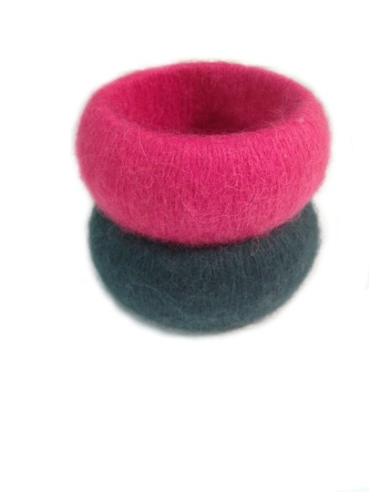 Elizabeth Yarborough Pair of Large Cashmere wrapped Yarborough Bangle Bracelets