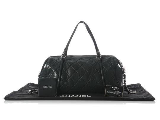 Chanel Ch.h1209.10 Quilted Duffle Silver Hardware Cc Satchel in Black