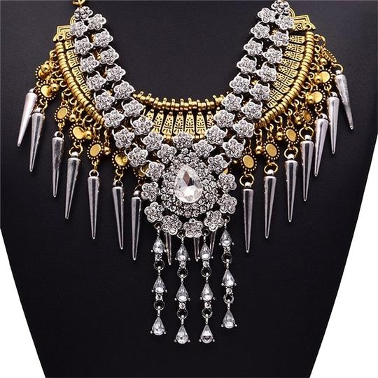 Preload https://img-static.tradesy.com/item/6245065/vintage-india-crystal-fashion-charm-mothers-day-necklace-0-0-540-540.jpg