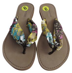 Groove Satin Floral Multicolor Sandals