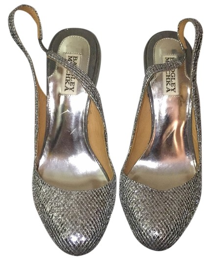 Preload https://img-static.tradesy.com/item/6246079/badgley-mischka-silver-sparkly-slingback-heels-formal-shoes-size-us-9-regular-m-b-0-0-540-540.jpg