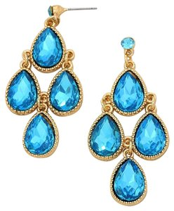 Beautiful New With Tags Turquoise Swarovski Crystal Chandelier Pierced Earrings with Gold Setting