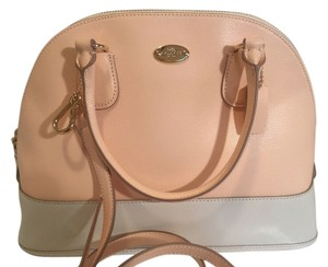 Coach Satchel in Apricot/Chalk