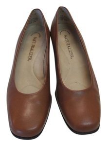 Naturalizer Leather Very Good Conditiion Butterscotch Pumps