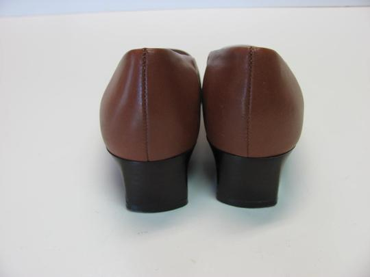 Naturalizer Leather Very Good Conditiion Size 6.00 M Butterscotch Pumps