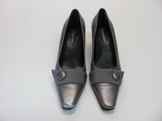 Naturalizer Size 6.00 M Leather Very Good Condition Silverish/Gray Pumps