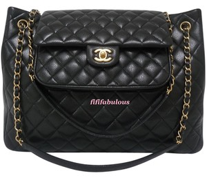 Chanel Caviar Leather Gst Tote in Black