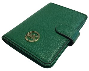 Michael Kors Michael Kors Fulton Passport Holder Case