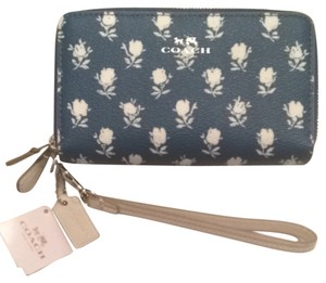 Coach Coach Blue Bold Floral Badlands Double Zip Phone Wallet