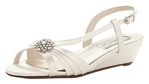 Touch Ups Bridal Light Ivory Wedges
