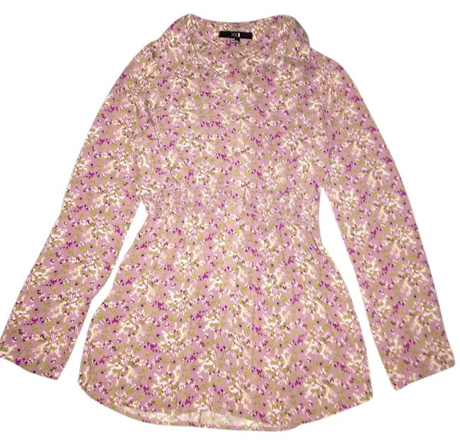 Preload https://img-static.tradesy.com/item/6265231/xxi-floral-blouse-size-8-m-0-0-650-650.jpg