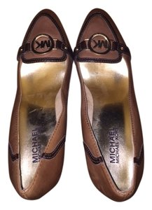 MICHAEL Michael Kors Gently Used Logo High Heels Work Dancing brown and gold Pumps