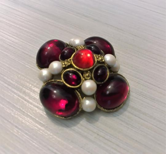 Preload https://img-static.tradesy.com/item/6272209/red-vintage-brooch-0-1-540-540.jpg