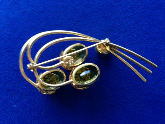 Sarah Coventry Citrine Green and Gold Flower Brooch