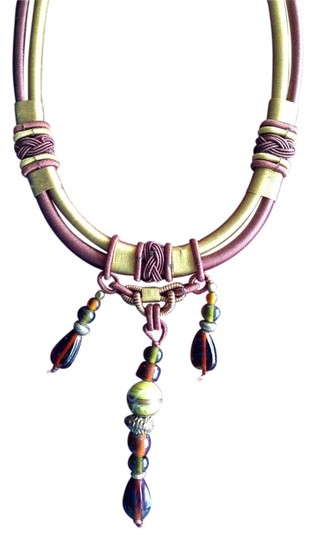 Preload https://img-static.tradesy.com/item/6274744/burgundy-and-citron-unique-woven-necklace-0-0-540-540.jpg