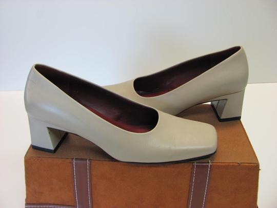 Naturalizer Leather Very Good Condition Size 6.00 M Neutral Pumps