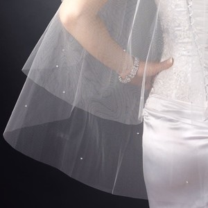 2 Layer Fingertip Length Veil With Scattered Crystals