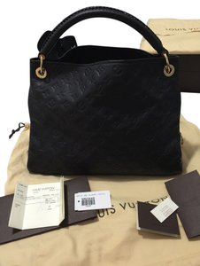 Louis Vuitton Tote in Infini (Black/Dark Navy Blue)