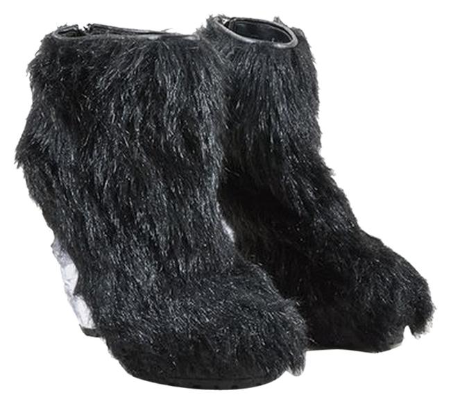 """Chanel Black Faux Fur Lucite High Icicle Heel """"Fantasy"""" Ankle Runway Collection Boots/Booties Size US 7.5 Regular (M, B) Chanel Black Faux Fur Lucite High Icicle Heel """"Fantasy"""" Ankle Runway Collection Boots/Booties Size US 7.5 Regular (M, B) Image 1"""
