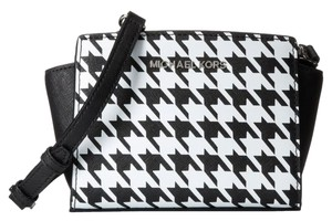 Michael Kors Leather White and Black Messenger Bag