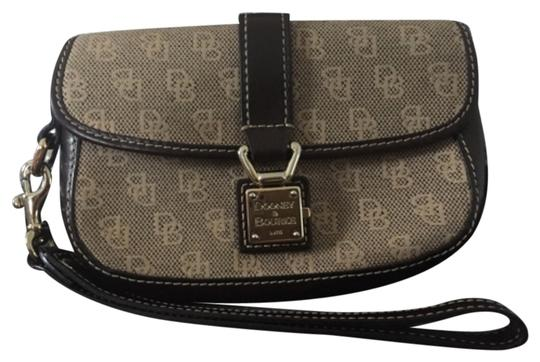 Preload https://img-static.tradesy.com/item/6285682/dooney-and-bourke-brown-and-wallet-0-0-540-540.jpg