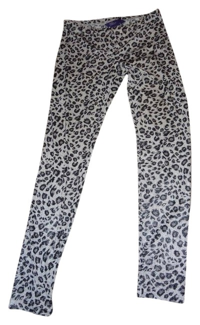 Preload https://img-static.tradesy.com/item/6286828/miley-cyrus-and-max-azria-snow-leopard-print-leggings-size-8-m-29-30-0-0-650-650.jpg