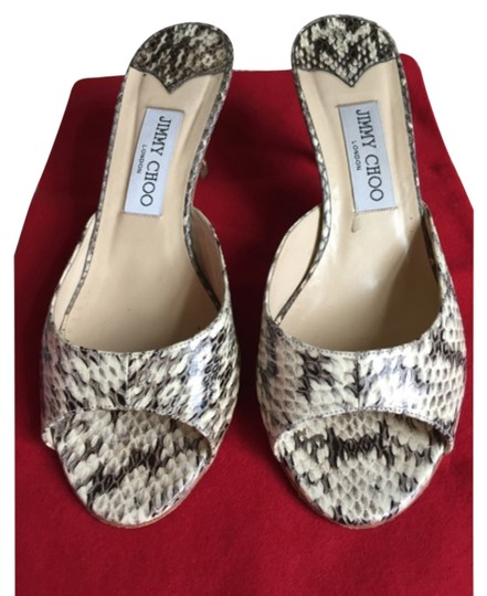 Preload https://img-static.tradesy.com/item/6288421/jimmy-choo-sandals-size-us-75-regular-m-b-0-0-540-540.jpg