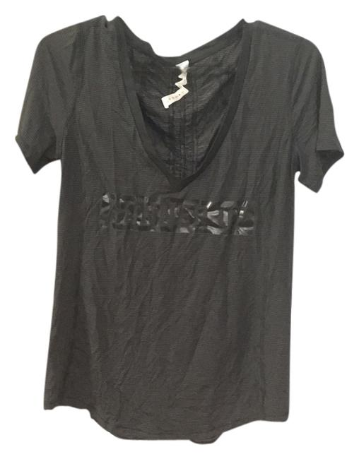 Preload https://img-static.tradesy.com/item/6288967/lululemon-black-and-grey-runner-up-t-shirt-activewear-top-size-8-m-29-30-0-0-650-650.jpg