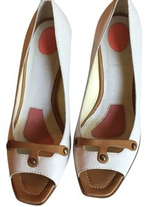 Banfi Zambrelli White Pumps