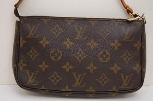 Louis Vuitton Louis Vuitton pochette pouch small purse cosmestic bag accessories for neverfull or any LV bag monogram