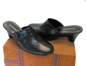 Naturalizer Leather Very Good Condition Size 7.50 M Black Mules