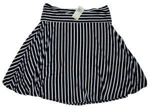 Max Studio Skirt White Black
