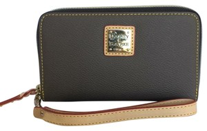 Dooney & Bourke Wristlet in Elephant