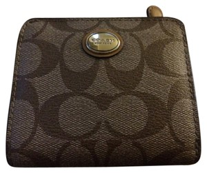 Coach Coach Bi-fold Wallet In Signature Canvas