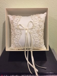 David's Bridal Cream Ringbearer's Pillow
