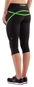 Lululemon Active Workout Fitness Yoga Run Capri Tights Crops Black and green Leggings