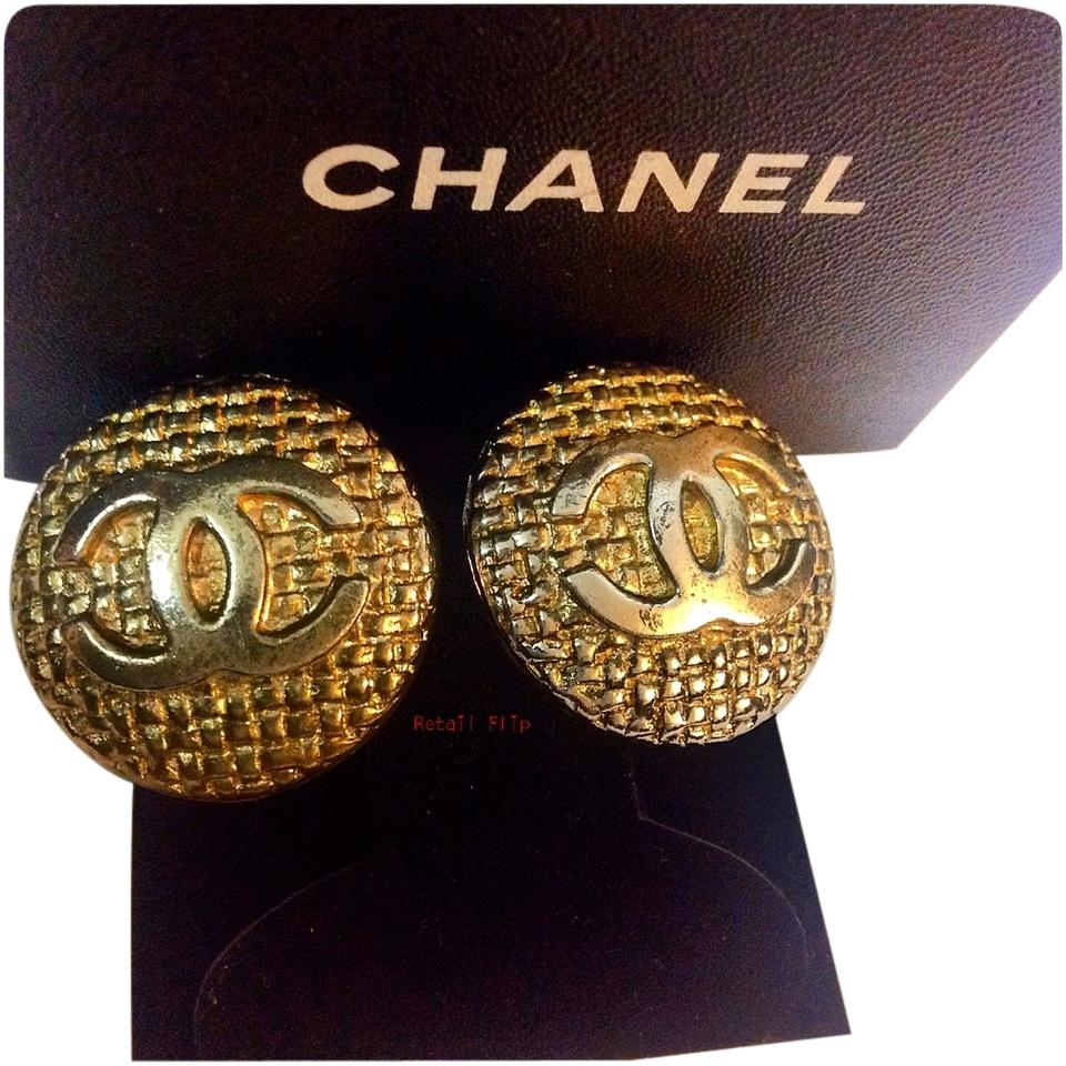 Chanel Gold Vintage Round Basket Weave Design 23 Cc Logo Clip-on ...