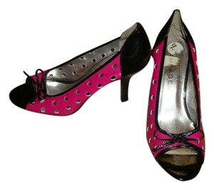 Rampage pink and black Pumps