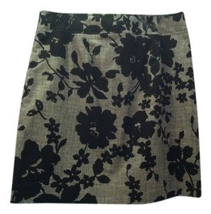 Ann Taylor Floral Skirt Grey / Black