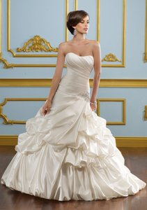 Mori Lee 4912 Wedding Dress