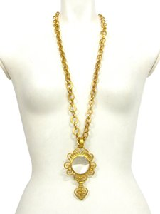 Chanel Authentic Chanel Vintage Gold Necklace 95
