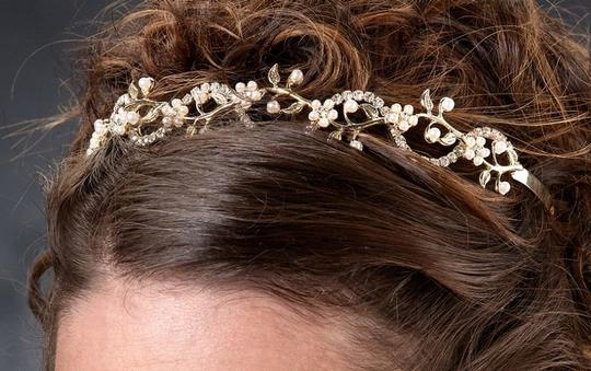 Gold/Yellow Gold Pearl/Rhinestone Tiara