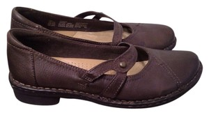 Earth Spirit Strap brown leather slip on with slight heel Flats